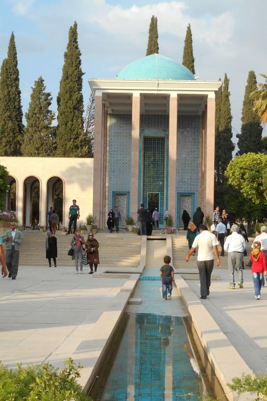 Hafiz tomb day